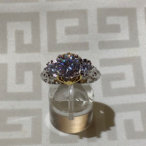 Jewelry - Womens 2.80ctw AAA Zircons Solitaire With Accents